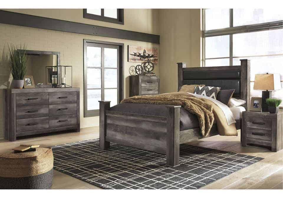 Wynnlow Gray Queen Poster Bedroom Set