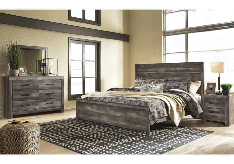 Wynnlow Gray King Panel Bedroom Set | Lexington Overstock Warehouse